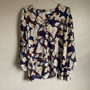 Rose and Olive size 3X Floral blouse bell sleeves